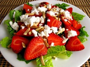 Strawberry and Feta Salad 500